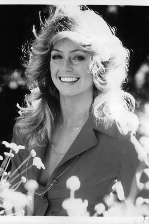 """Thập niên 1970, hình ảnh của nữ diễn viên """"Những thiên thần của Charlie"""" - Farrah Fawcett là minh chứng tiêu biểu cho vẻ đẹp lông mày thời kì này."""