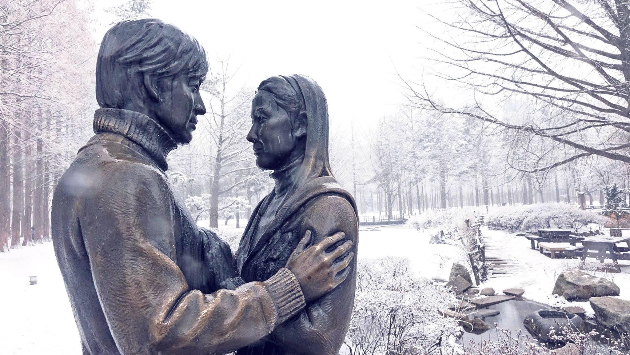 Tương truyền, hễ thấy tuyết rơi thì phải cùng người yêu đến ngay đảo Nami