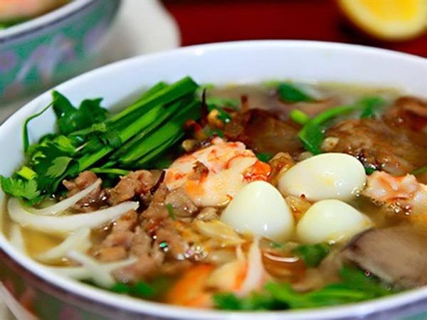 Kiệt sức sau đêm đi bão cổ vũ U23 Việt Nam, fan Hà Nội  Sài Gòn nên ăn gì vừa ngon lại tăng cường thể lực?