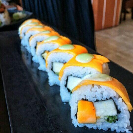 Rủ ngay cạ cứng khám phá những điểm bán sushi ngon nổi tiếng, giá rẻ chỉ từ 5.000 đồng ở Hà Nội