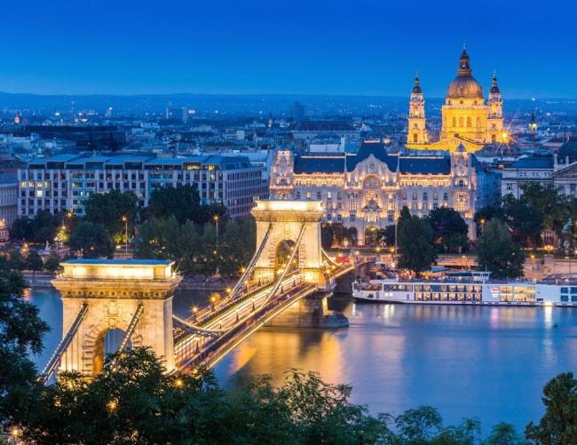 Hungary: So với các quốc gia khác ở châu Âu, Hungary có lợi thế là chi phí du lịch tương đối rẻ.