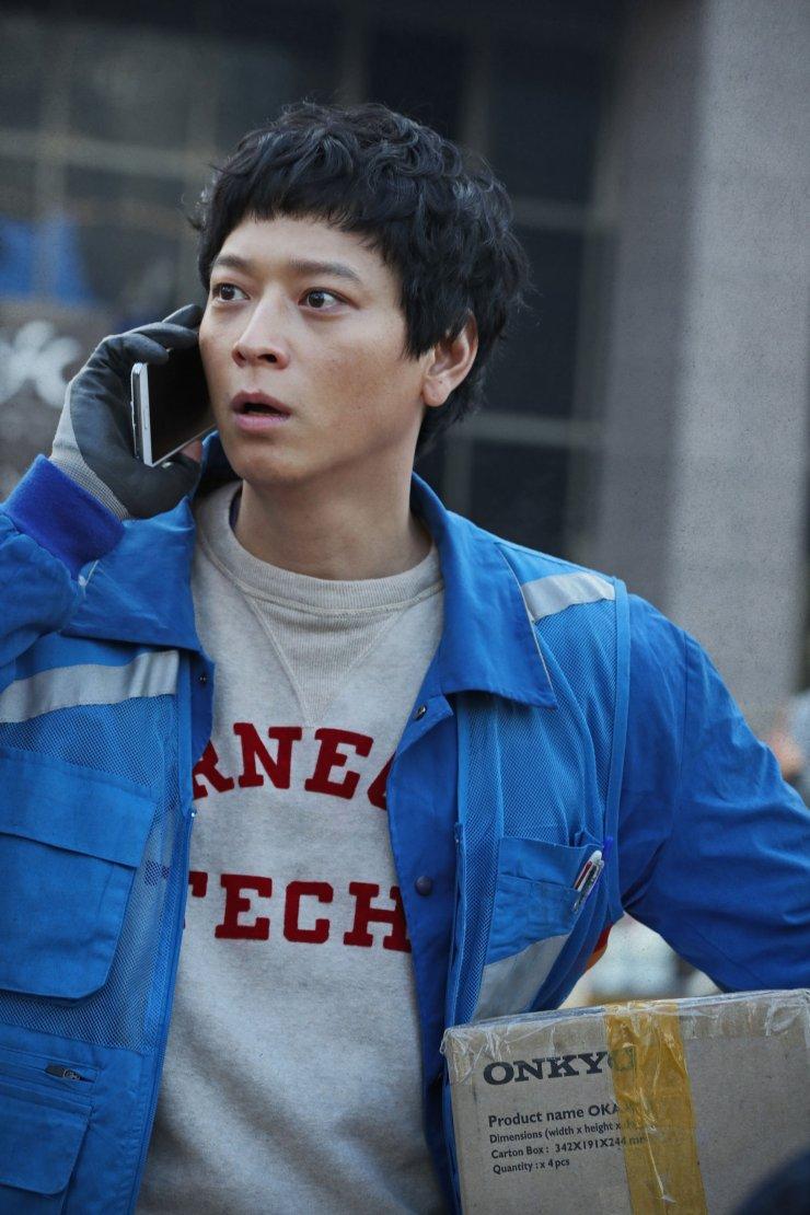 'Bảo chứng phòng vé' Kang Dong Won khuấy đảo màn ảnh rộng Hàn với 'Golden Slumber'