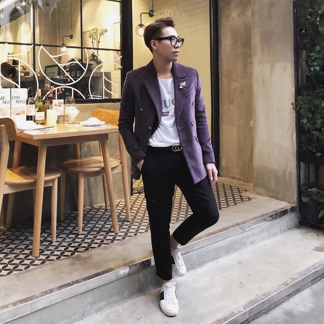 """Hoàng Ku là một trong những stylist """"nghiện"""" đồ Gucci. Với street style full Gucci làm cho anh chàng ngày càng thể hiện được sự sành điệu của mình."""