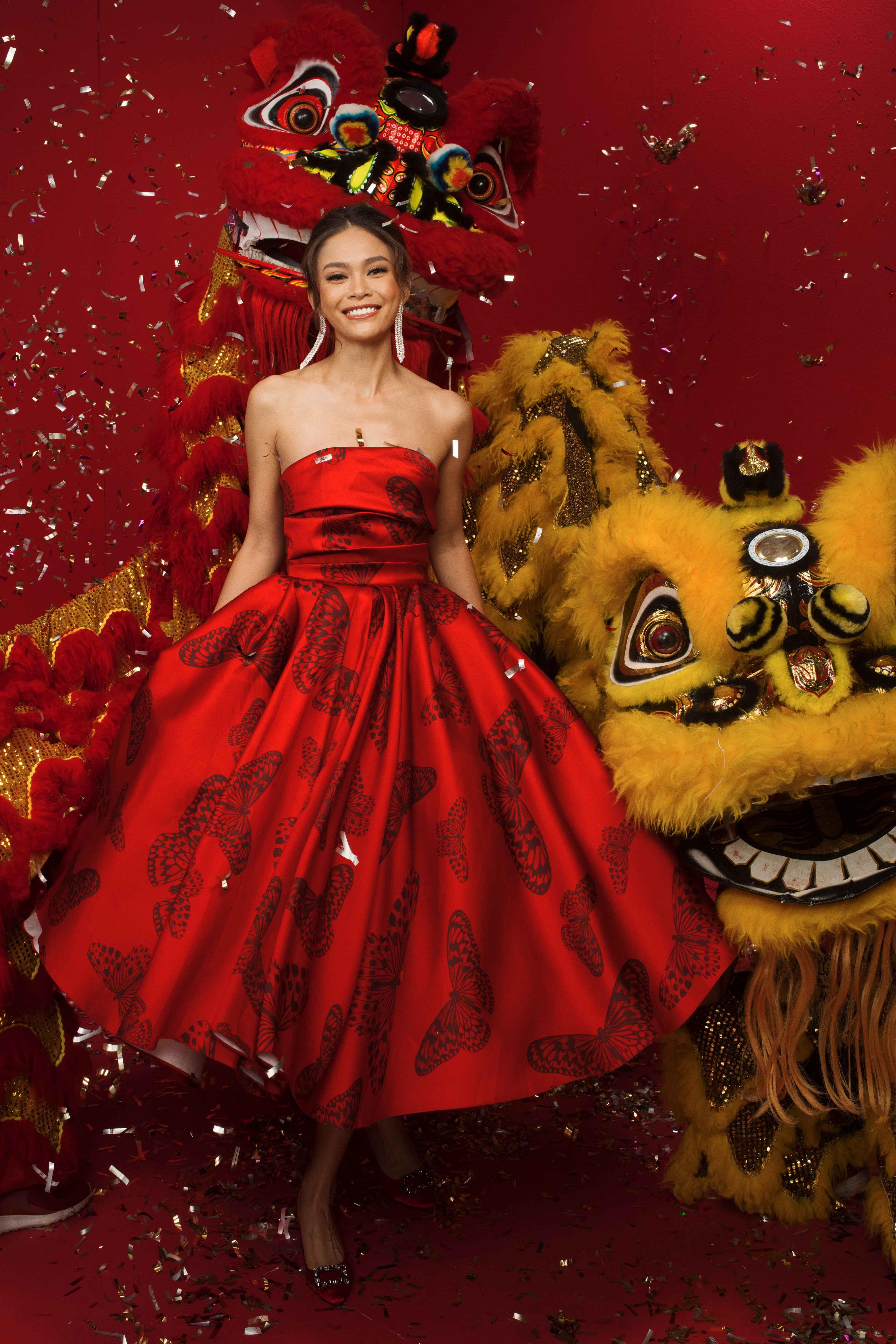 Hình ảnh Á hậu Mâu Thủy xinh như công chúa đốn tim người hâm mộ.