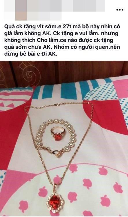 Chia sẻ của cô vợ được chồng tặng quà Valentine sớm.