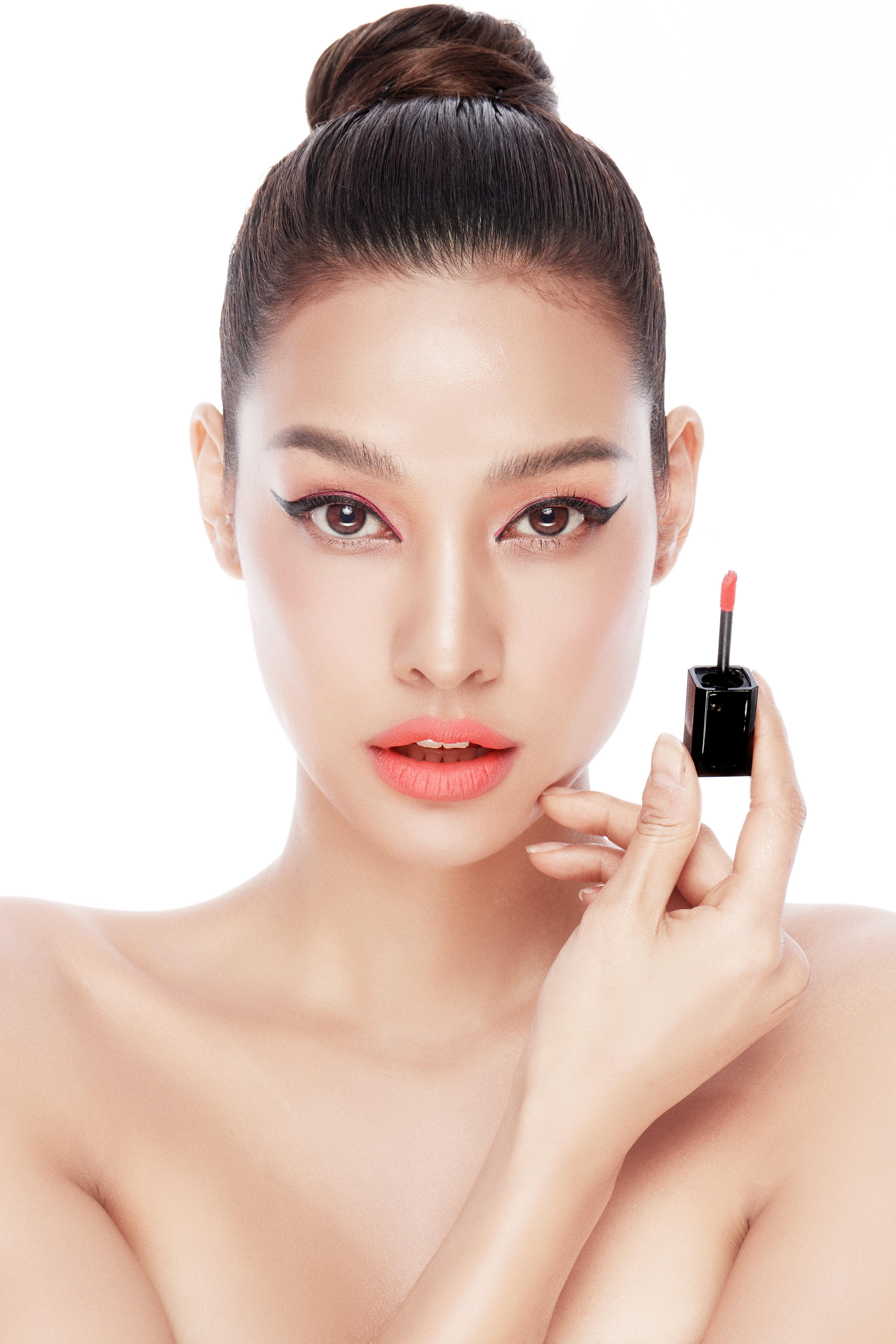 Hồng đào đang là gam màu trang điểm được yêu thích nhất hiện nay, gam màu này mang đến sự tươi tắn, hồng hào một cách tự nhiên, trông cực tự nhiên và hút mắt