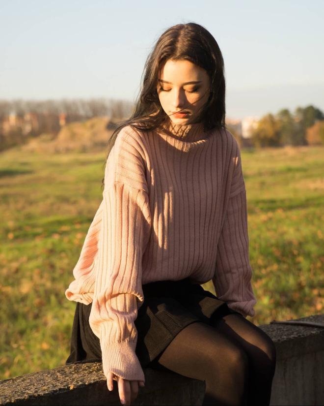 Mỹ nữ 9X có vẻ đẹp quá xuất sắc khiến người ta phải tin vào câu nói 'Con gái Nga luôn đẹp nhất thế giới'