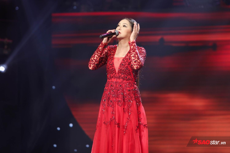 HLV Như Quỳnh hát live như nuốt đĩa, cùng Ngọc Sơn, Quang Lê khai màn bán kết