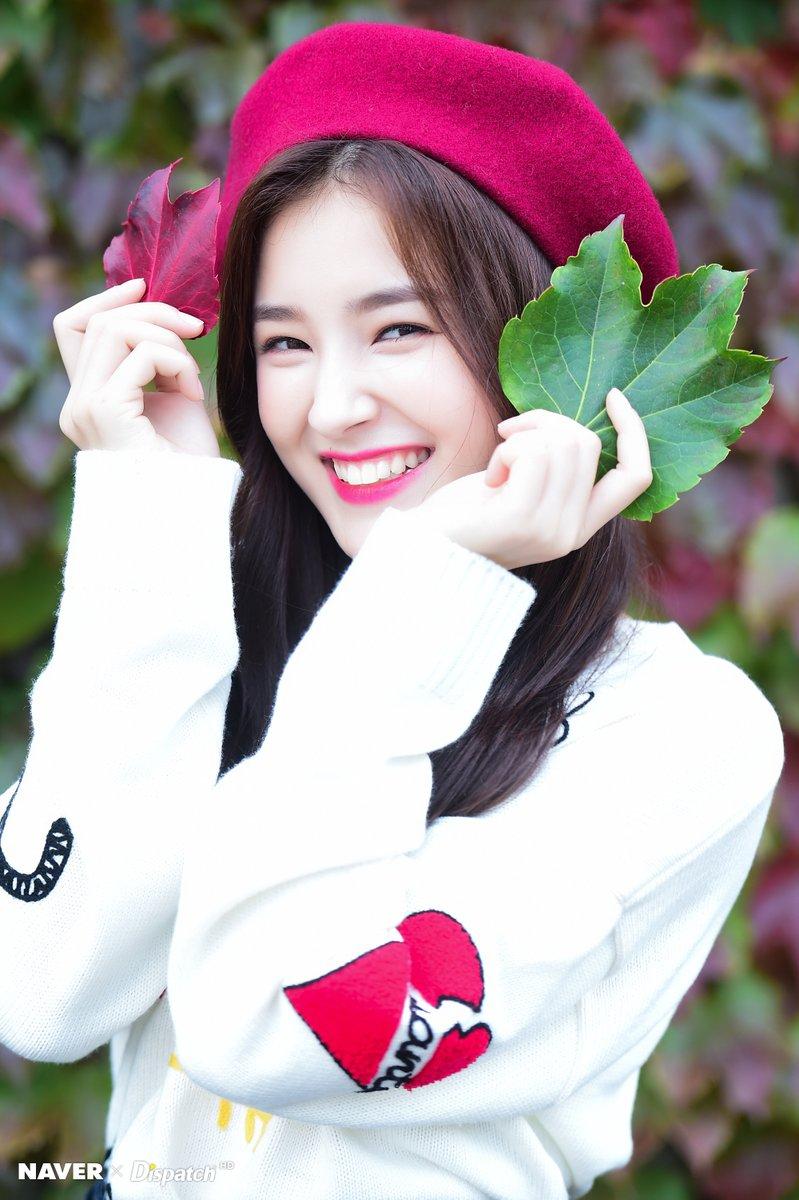 Nhan sắc ngày càng lên hương giúp cô nàng trở thành cái tên Hot trong các bảng xếp hạng nhan sắc tại Hàn.