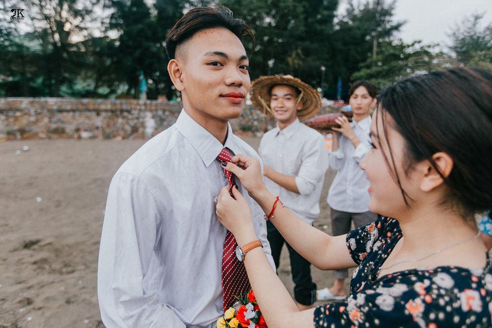 Ngay sau khi nghe ý tưởng của bộ ảnh, cả lớp đã hào hứng và bắt tay vào công tác chuẩn bị. Hơn nữa, năm nay sau khi Hương Giang đăng quang Hoa hậu Chuyển giới, tập thể lớp mong muốn mọi người thay đổi cái nhìn với cộng đồng LGBT.