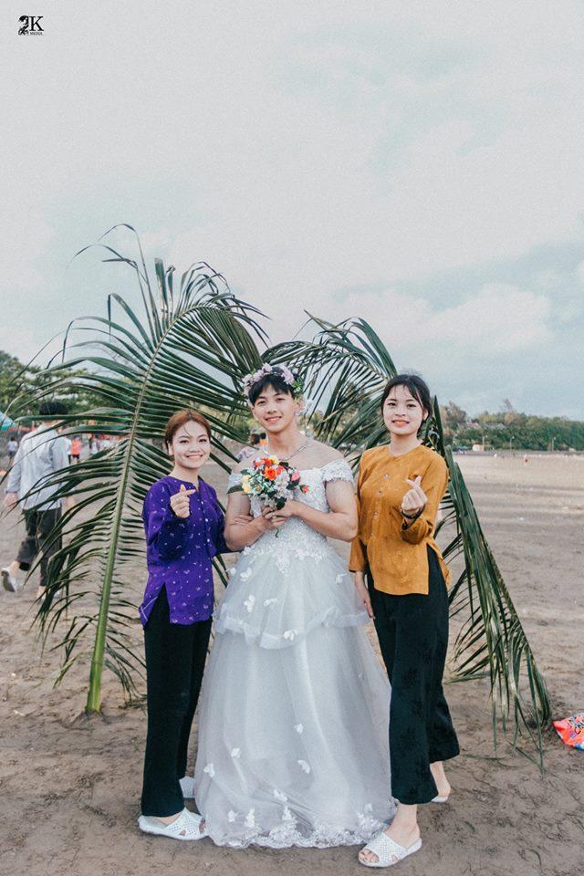 Bộ ảnh kỷ yếu tái hiện đám cưới 'cô dâu là nam' độc nhất của teen Hải Phòng