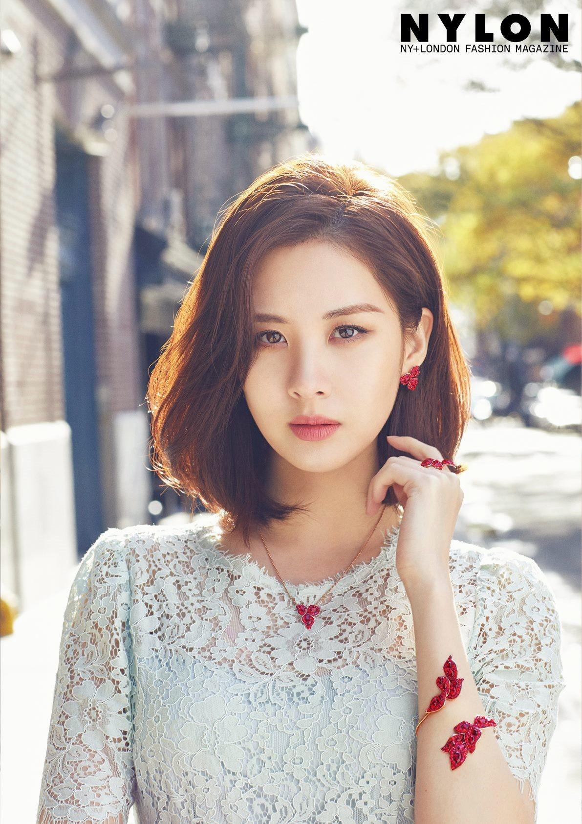 Điều đặc biệt, Hyomin đã về chung một nhà với em út SNSD - Seohyun.