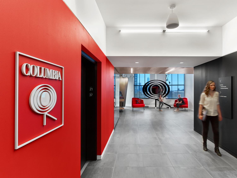 Columbia Record đang là một trong 3 hãng ghi âm lớn nhất thế giới