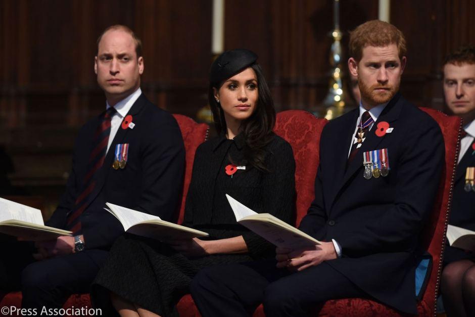 Hành lý của Nữ công tước luôn có một trang phục màu đen. Ảnh: Twitter: Kensington Palace