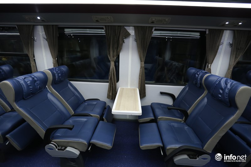 Hệ thống ghế ngồi mềm cũng được nâng cấp mới theo mô hình ghế ngồi của hàng không nhưng rộng rãi và thoải mái hơn.