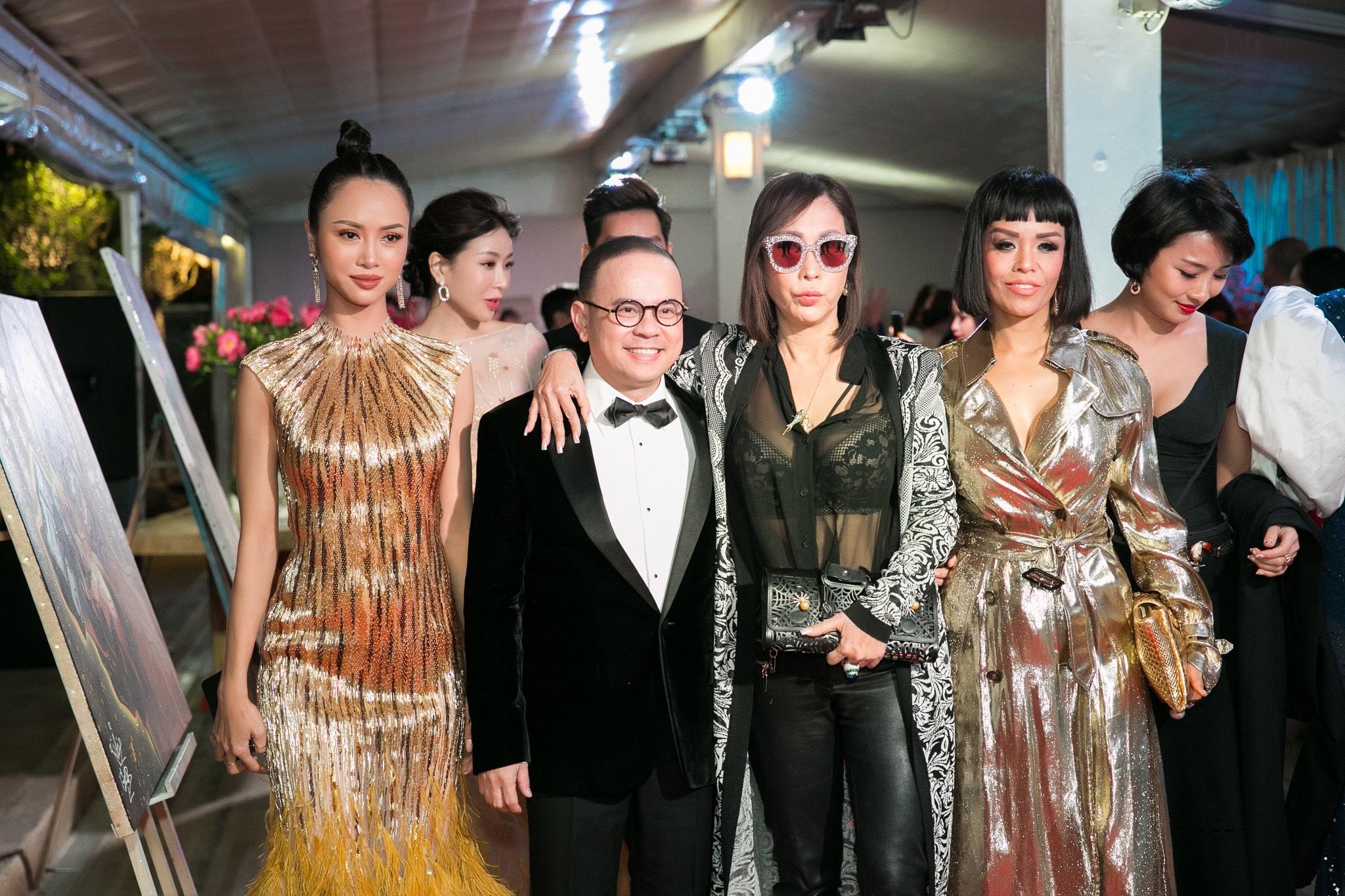 Vũ Ngọc Anh - Quỳnh Hương 'nóng bỏng mắt', Ali Hoàng Dương bảnh bao trong đêm tiệc tại Cannes 2018
