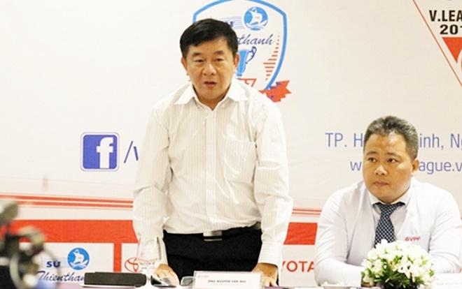 Ông Dương Mạnh Hùng khuyên ông Mùi nên nghỉ Trưởng ban trọng tài.