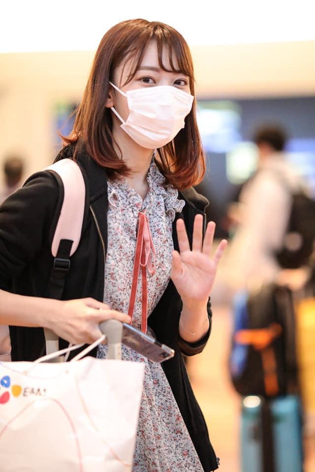 Một vài cô gái được bắt gặp về Nhật hôm 12/5 để tiếp tục lịch trình với nhóm của mình.