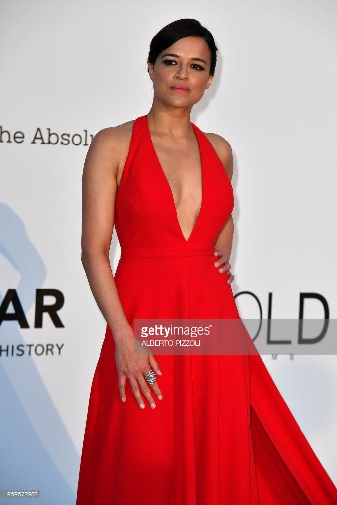 Michelle Rodriguez không khác gì những chị em nghệ sĩ Hollywood.
