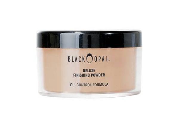 Phấn bột của Black Opal có khả năng tiệp màu hoàn hảo với kem nền, mang đến làn da thứ hai mịn màng không tỳ vết.