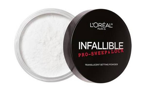 Phấn bột của LOreal thường được Neil dùng để trang điểm trong những buổi chụp hình hay quay phim ngoài trời. Sản phẩm này có khả năng ngăn tiết dầu, giúp làn da không bị bóng nhẫy dù ở ngoài trời nóng. Giá của sản phẩm này là 10 USD (230.000 đồng).