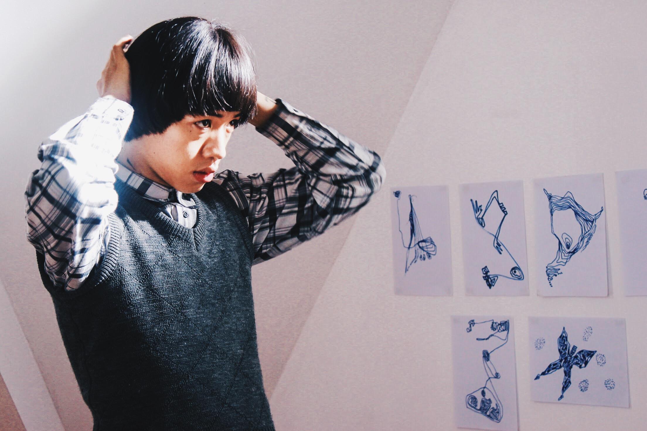 Vào vai nhân vật chính, Wean Lê khiến khán giả thích thú với hai tạo hình hoàn toàn trái ngược.Đầu tiên là một cậu ấm nhà giàu ngây ngô, có phần nhút nhát và khờ khạo.