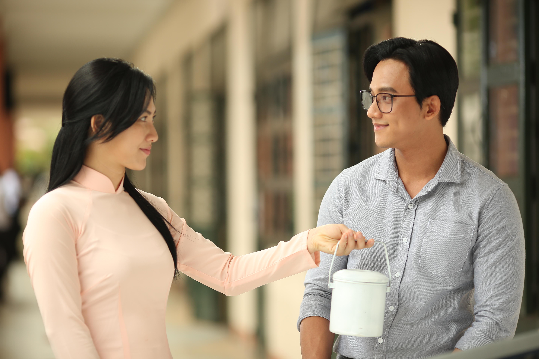 'Em gái mưa' - Mai Tài Phến và Tiến Vũ: Ai là thầy giáo thực tập trong mơ thời nữ sinh của bạn?