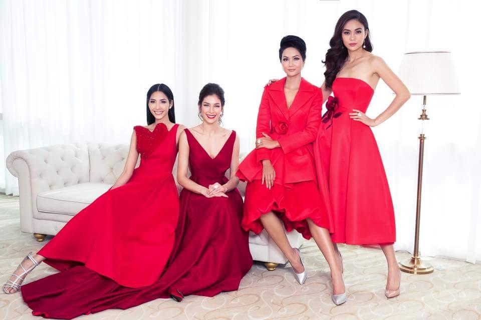 Bộ ảnh còn có sự xuất hiện của HHHV Dayana Mendoza, mỹ nhân được mệnh danh là HHHV đẹp nhất mọi thời đại.