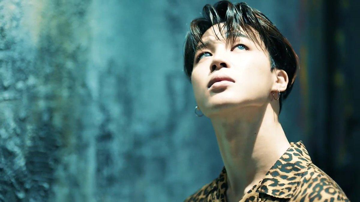 Nóng: BTS đẹp trai đến nghẹt thở trong bom tấn trở lại, fan hồi hộp đếm view