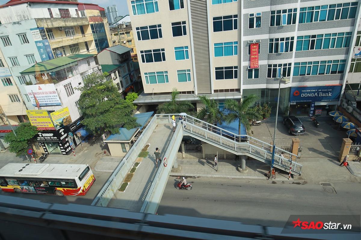 Mộc góc cảnh trên đường Nguyễn Trãi.