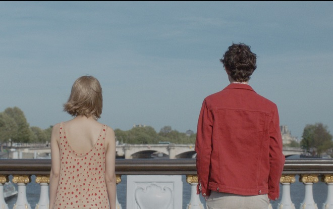 Những cảnh quay ở Paris cùng mẫu Tây của MIN khiến dân tình xôn xao