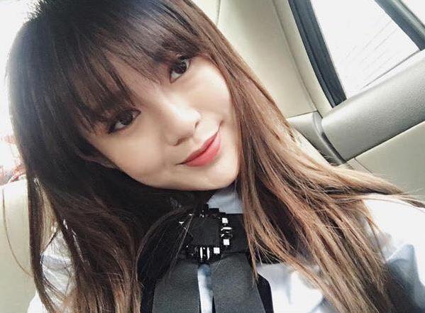 Hot girl Tú Linh chia sẻ nhật ký đi đẻ, ảnh của con gái trên Facebook cá nhân