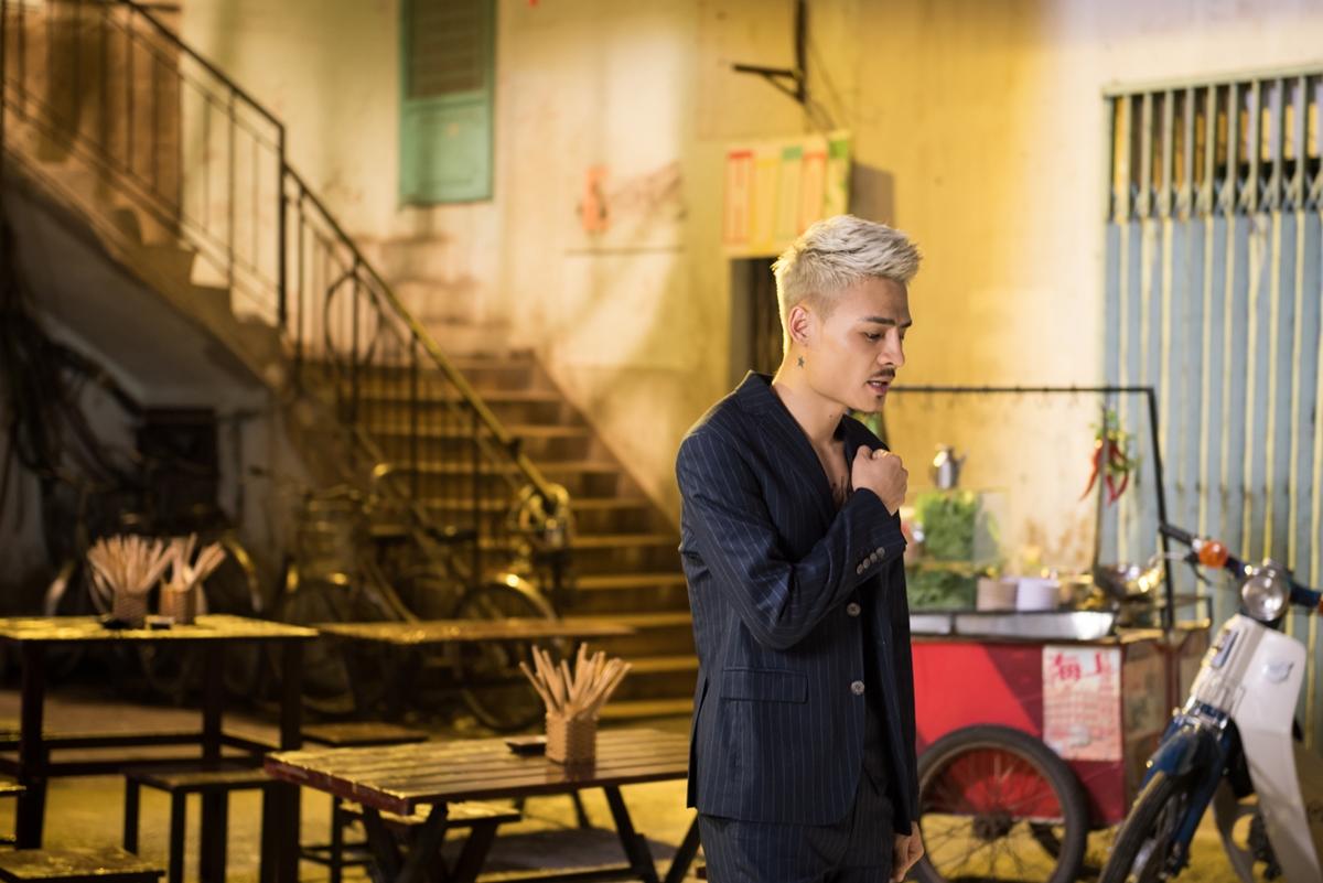 Hoa Vinh đã chính thức gửi đến người hâm mộ sản phẩm âm nhạc mới Đừng quên tên anh