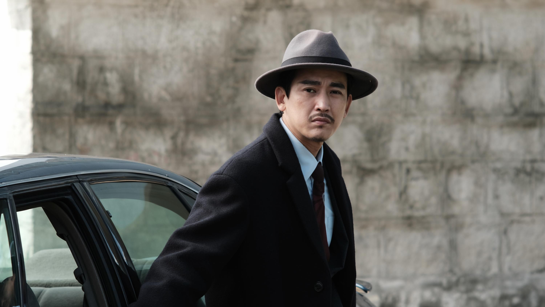'Ống kính sát nhân': Câu chuyện trinh thám ly kì mang màu sắc Hollywood