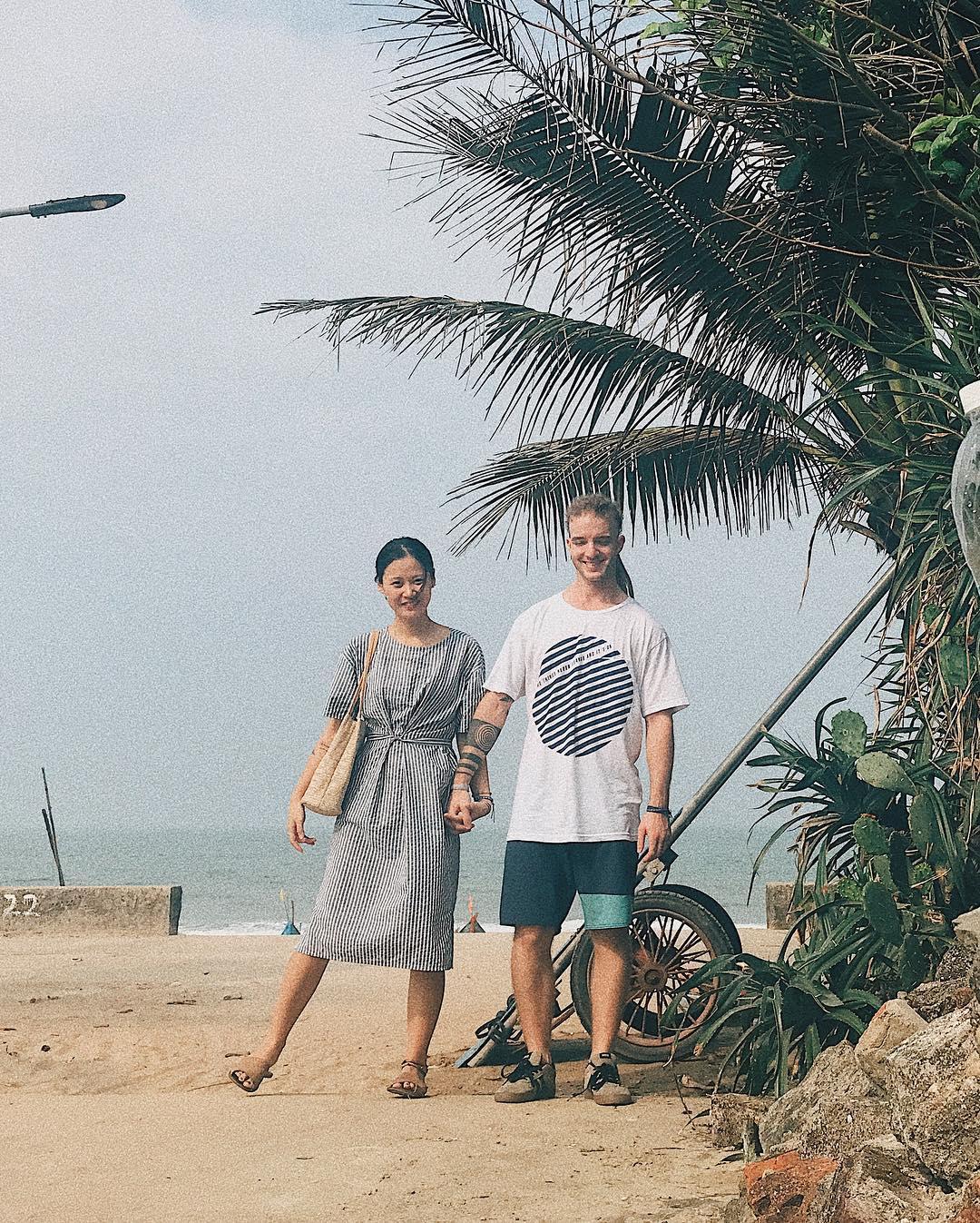 ... Chuyện tình chàng Tây và cô gái Việt nắm tay nhau đi khắp thế gian khiến ...