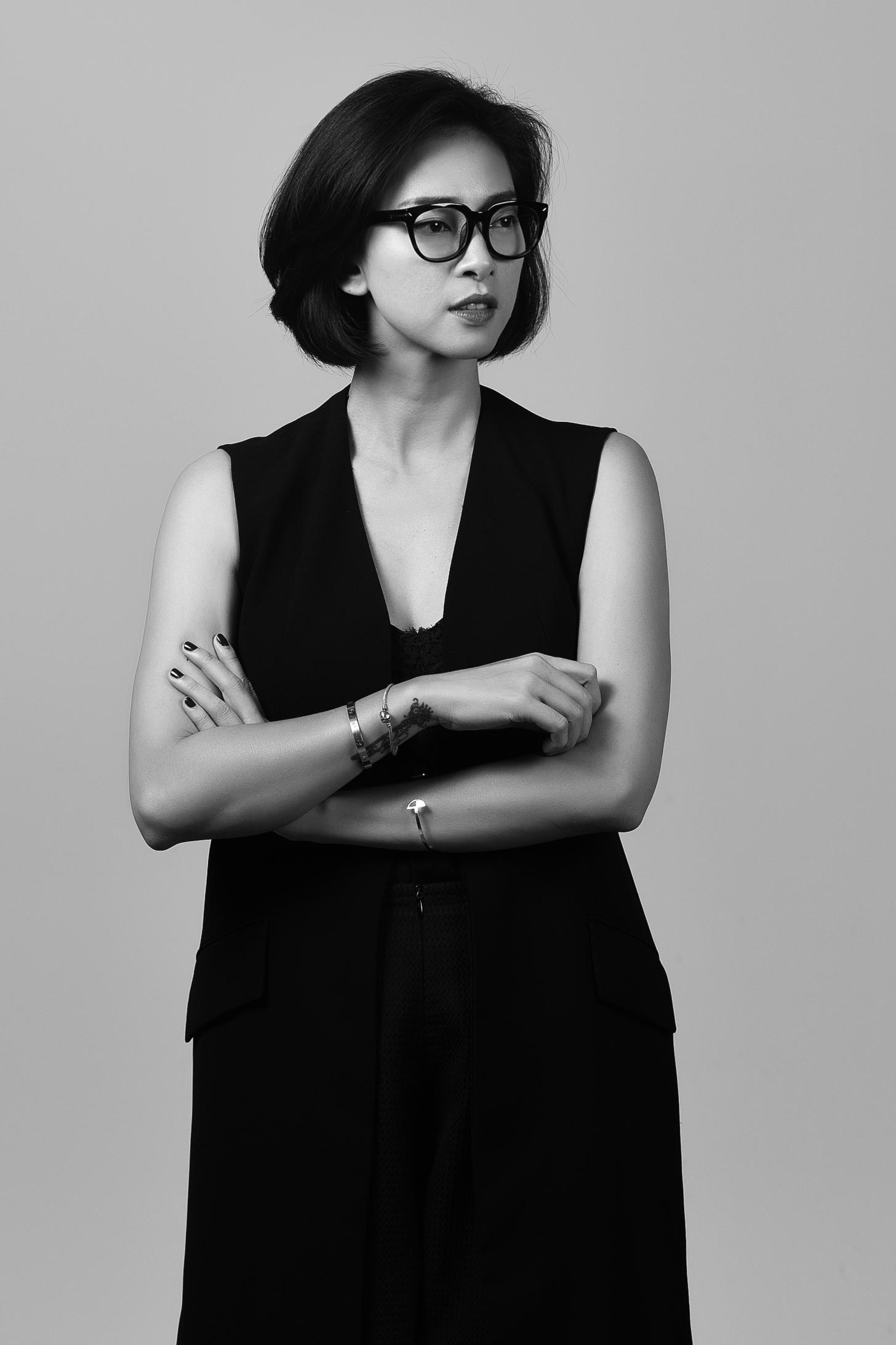 ... Ngô Thanh Vân hoá bà trùm quyền lực bên Bảo Anh cá tính, Jun Vũ