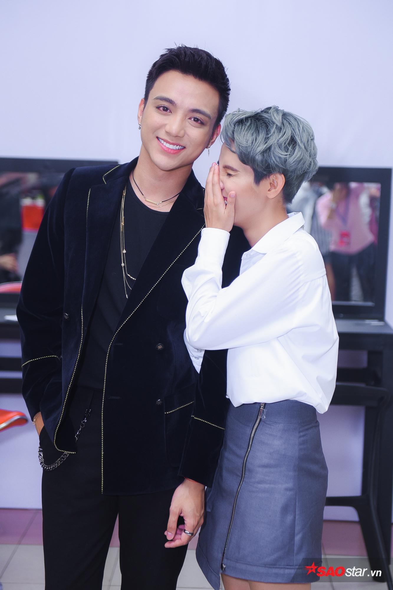 6 HLV và 3 chiếc ghế đôi của Giọng hát Việt nhí 2018: Team nào sẽ chiếm trọn spotlight? ảnh 7