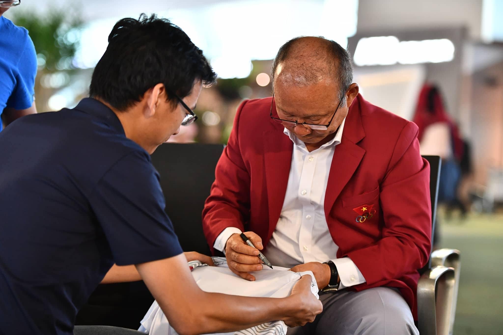 Ngày hôm nay (2/9), thầy trò HLV Park Hang-seo
