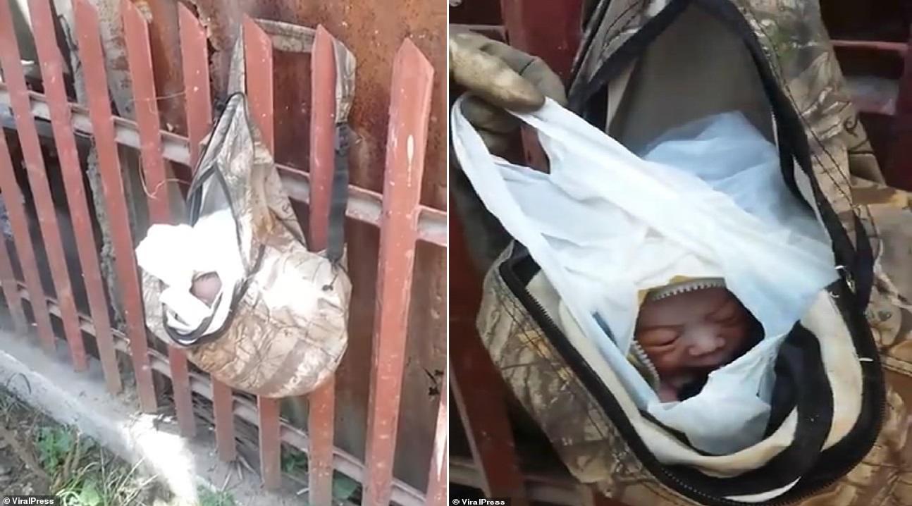 Em bé được đặt trong túi nilon đựng rác. Ảnh: Viral Press
