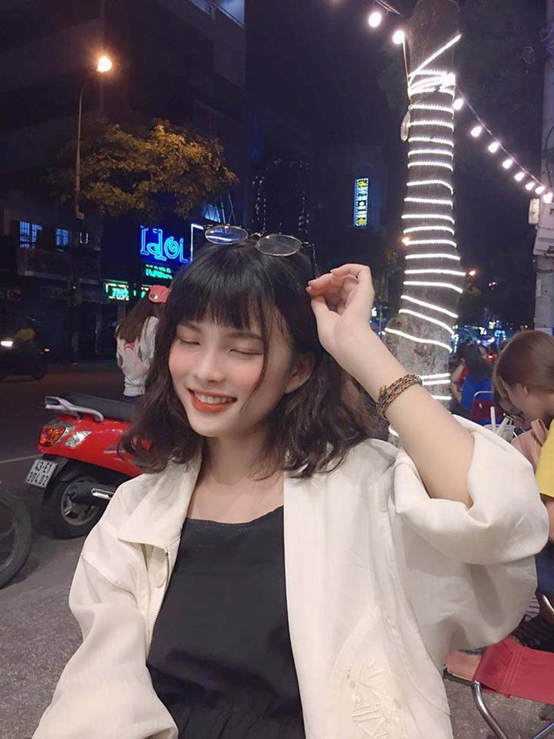 Cắt phăng mái tóc để dành 10 năm, nữ sinh Đà Nẵng có ngay ảnh