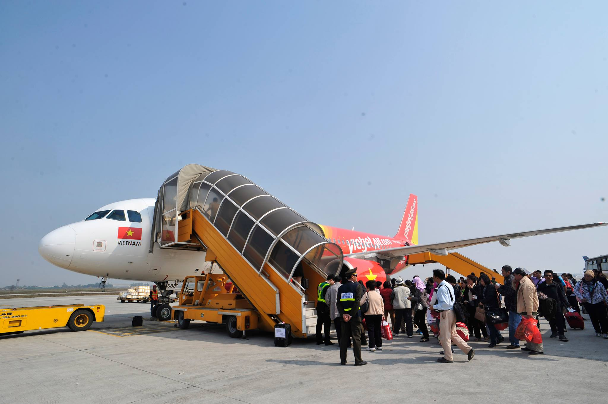 Việt Nam nối lại đường bay quốc tế, rút ngắn thời gian cách ly