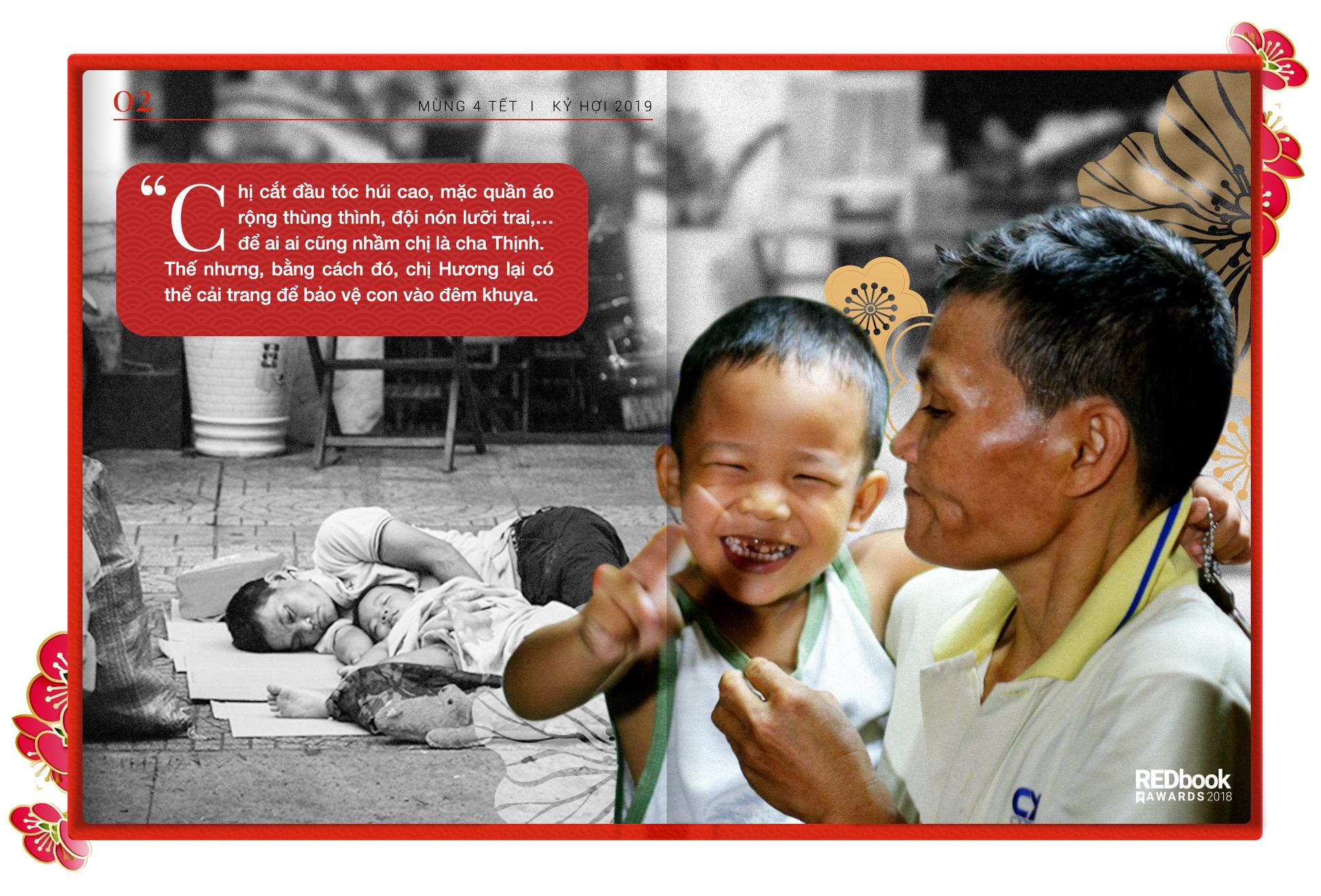 REDbook Tết Kỷ Hợi - Ngôi sao mùng 4 Tết: Cậu bé hôn mẹ trên chiếc xe đầy ve chai và tình mẫu tử thiêng liêng