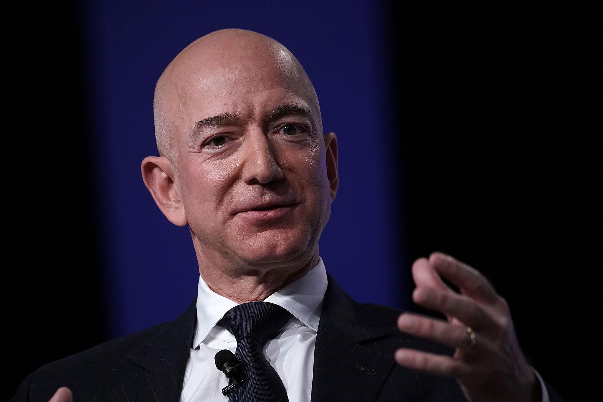 Tỷ phú giàu nhất thế giới: Jeff Bezos
