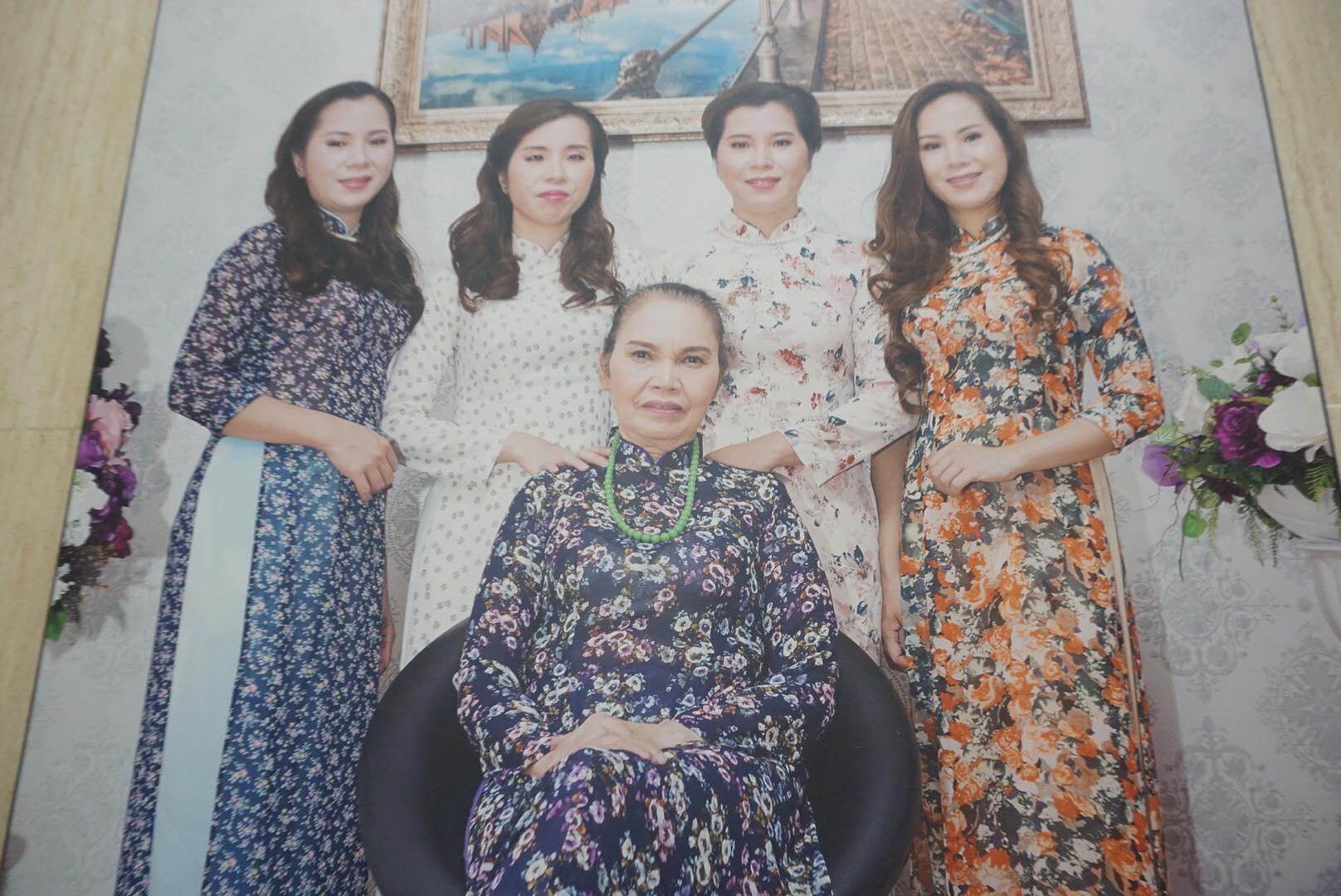 42 năm sau ca sinh tư đầu tiên, 4 bé gái được Cố Thủ tướng đặt tên Bắc-Nam-Thống-Nhất giờ ra sao?