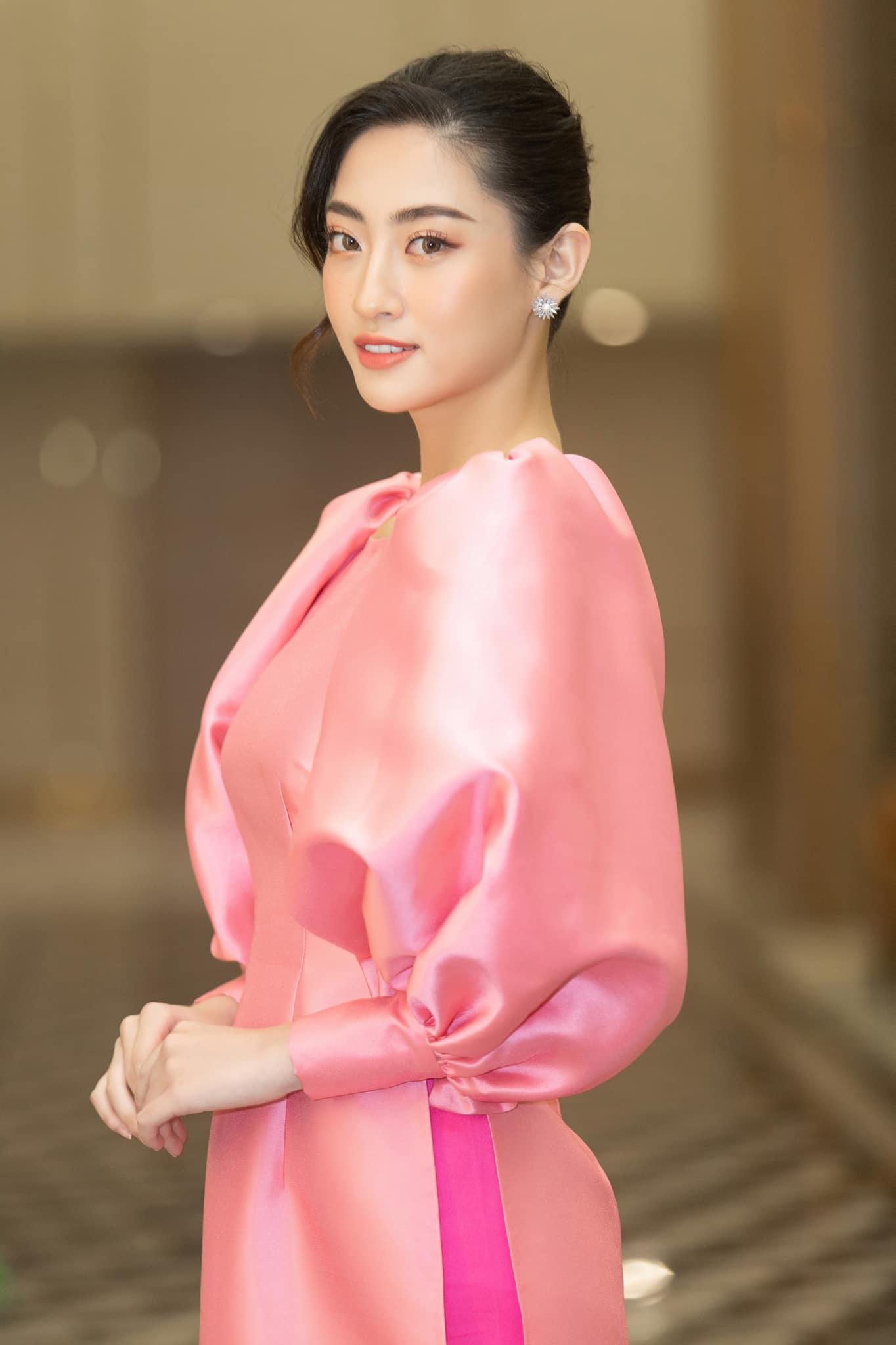 Lương Thùy Linh: 'Đôi lúc mệt mỏi vì gò mình theo chuẩn hoa hậu nhưng nhờ vậy, tôi trưởng thành hơn' Ảnh 9