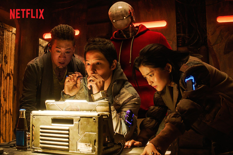 Space Sweepers' tung poster mới, sẵn sàng tấn công Netflix toàn cầu