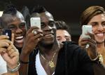 Balotelli từng trốn tập luyện để đi tậu… iPhone 6