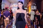 Chọn trang phục đen, sang và không nhàm chán như sao Việt