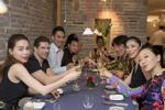 Hồ Ngọc Hà ăn tối cùng Hoa hậu Hoàn vũ Riyo Mori tại Nhật