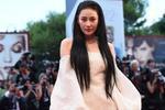 Trương Hinh Dư tỏa sáng trên thảm đỏ LHP Venice nhờ… photoshop